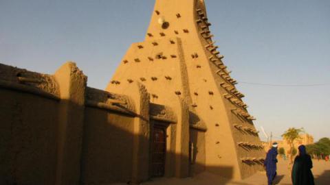 Sankoré mosquée, 2011 par Leslie Lewis
